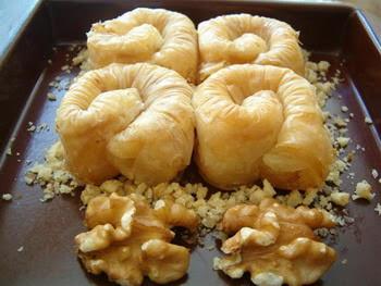 Pastacı Pastaci telefonları  tatli siparisi Essiz lezzette 1 kilo bülbül